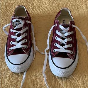 Crimson/maroon converse